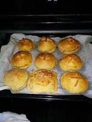 meal(0.0), breakfast(0.0), popover(0.0), baking(1.0), bread(1.0), baked goods(1.0), food(1.0), dish(1.0), dessert(1.0), cuisine(1.0), brioche(1.0), snack food(1.0),