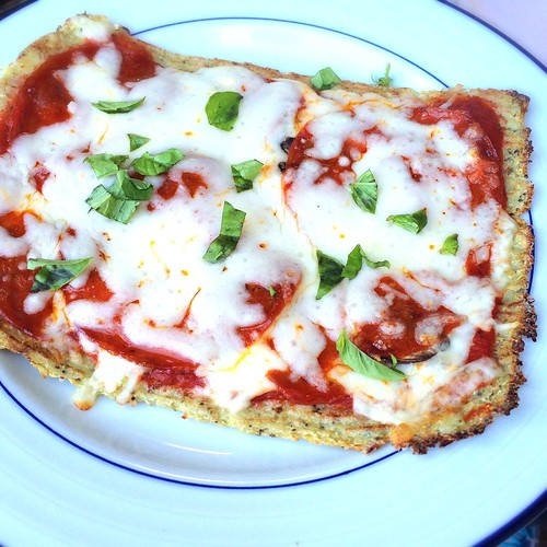 Vegas' Cauliflower Pizza