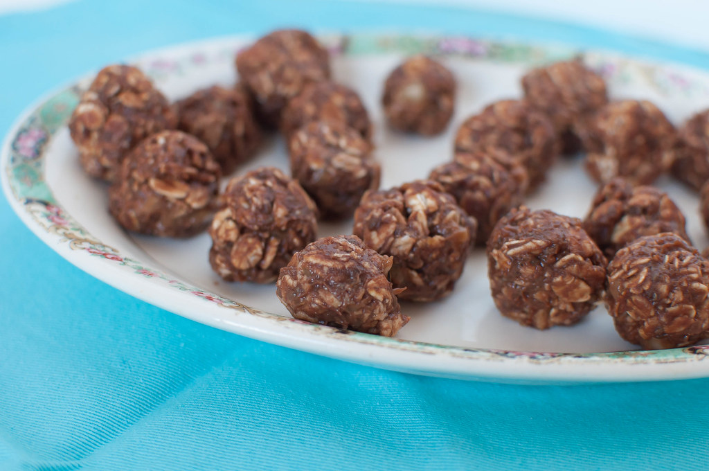 Chocolate Peanut Butter Energy Balls 2