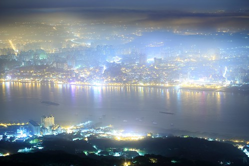 city travel blue light sky urban bali panorama mountain mountains color reflection fog skyline architecture port canon buildings dark stars landscape photography evening office high twilight haze downtown ray cityscape exterior dusk top famous taiwan vessel landmark scene business galaxy fantasy moonlight nightscene 台灣 台北 夜景 風景 riverview valleyview tamsui cityview yangmingshannationalpark 觀音山 densefog 淡水河 霧 清晨 tamsuiriver 雲霧 光線 guanyinmountain 濃霧 硬漢嶺 advection taiwanimage 北海岸及觀音山國家風景區 mistscape guanduplain newtaipei advectionfog 河景 新北市 taiwanphotography ccommercial 平流霧