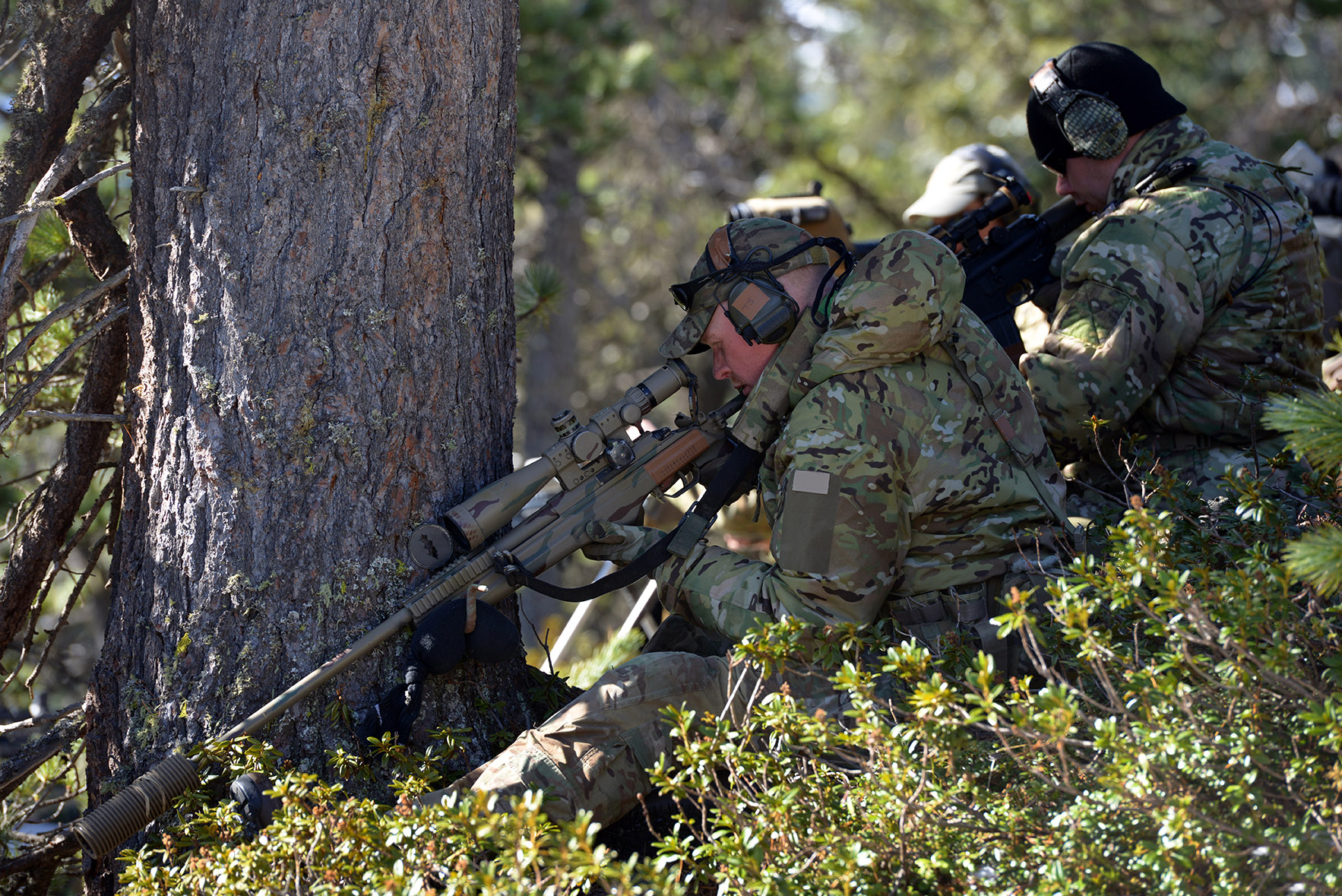 Multinational Soldiers from seven different countries participate in the Advanced High Angle Sniper Course conducted by the International Special Training Center, April 27-May 1, 2015 in Lizum, Austria