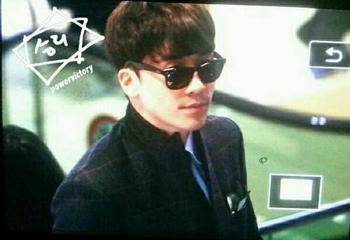 seungri_airport_140411_002