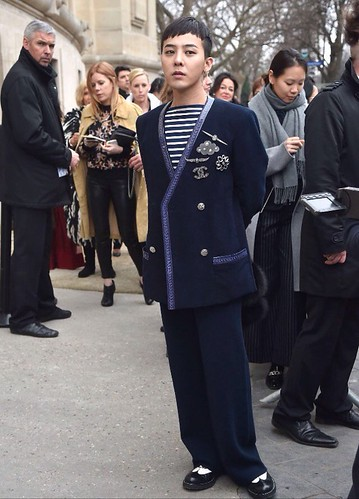 G-Dragon Chanel Haute Coutoure at Grand Palais Paris 2016-01-26 07