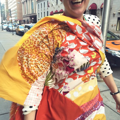 Outside quilt photos in the Windy City? I don't think so! #sewtopiachicago (photo by @redheadwiththread )