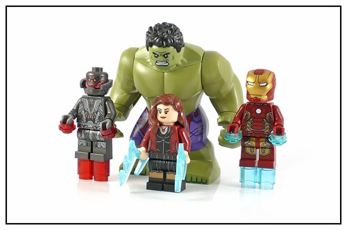LEGO 76031 The Hulk Buster Smash figures01