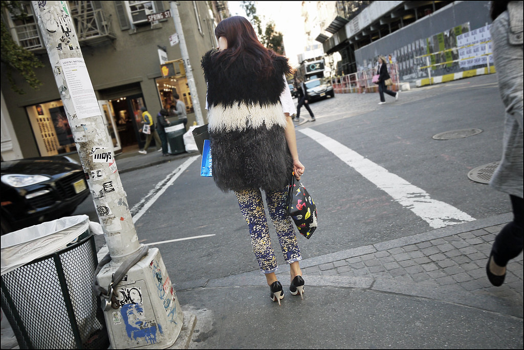SS5-15 9w black white gray tibetan lamb fur vest blue yellow speckle jeans black and grey high heel pumps