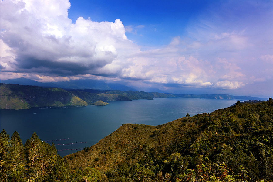 18. Lake toba via Clement Gultom