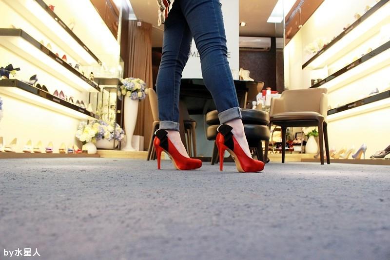 28220951451 eef5ccaaa4 b - 【熱血採訪】MOMENTANEE 台灣婚鞋第一品牌,高級手工訂製鞋款,婚紗鞋/伴娘鞋/晚宴鞋