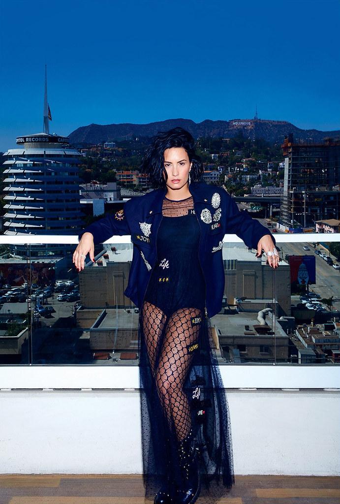 Деми Ловато — Фотосессия для «Elle» CA 2016 – 3