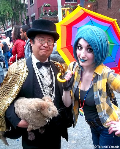 Dr. Takeshi Yamada and Seara (sea rabbit) visited the Gay Pride Parade in Manhattan, New York on June 28, 2015. The US President Barack Obama supported the same-sex marriage. The gay marriage became legal nationwide. 20150628 100_8512=C