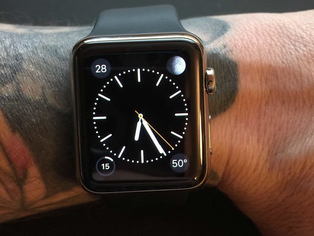 apple-watches-arent-working-on-people-with-wrist-tattoos