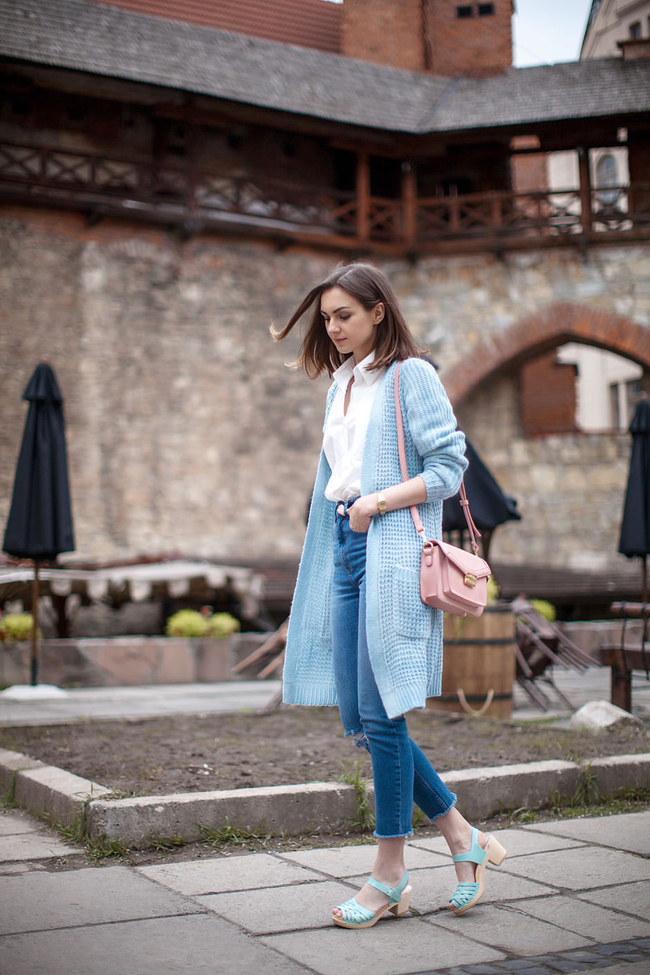 baby-blue-coat-outfit-ideas-streetstyle