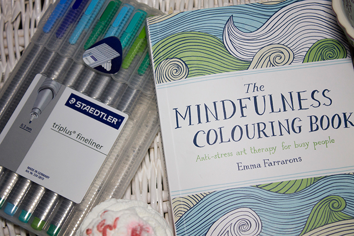 De Stress Routine: The Mindfulness Colouring Book and Staedtler Triplus Fineliners