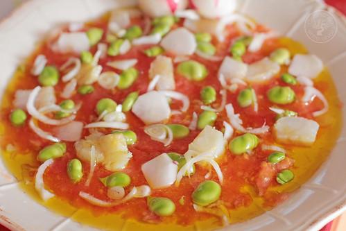 Ensalada-de-habas-tiernas,-tomate,-bacalao-y-rabanitos-(15)