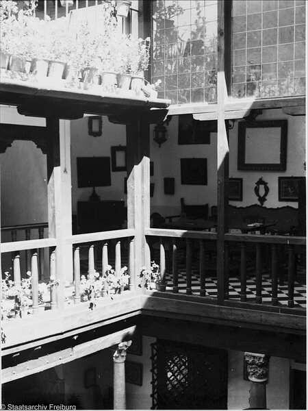 Patio en Toledo  en Julio de 1932. Fotografía de Willy Pragher © Landesarchiv Baden-Württemberg, Abt. Staatsarchiv Freiburg, signatura 004701