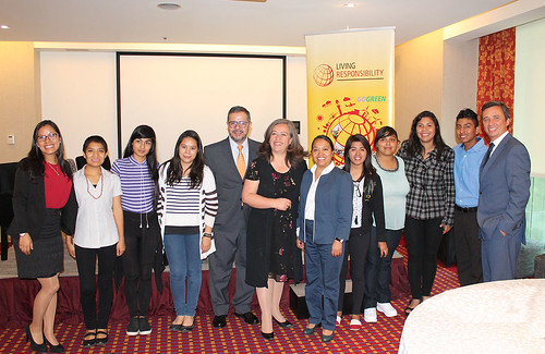 Responsabilidad Social de DHL - Firma acuerdo con Aldeas Infantiles SOS