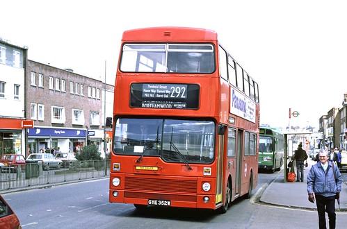London Transport: M352 (GYE352W) in Shenley Road, Borehamwood on Route 292