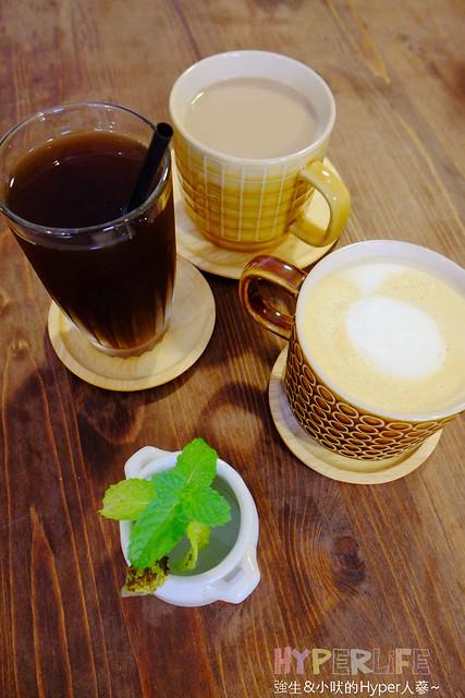 17316679242 8ccc1b5a8d z - 好逗Food.Cafe.Good Dog,小清新少女風咖啡店~帕尼尼不錯吃喔!