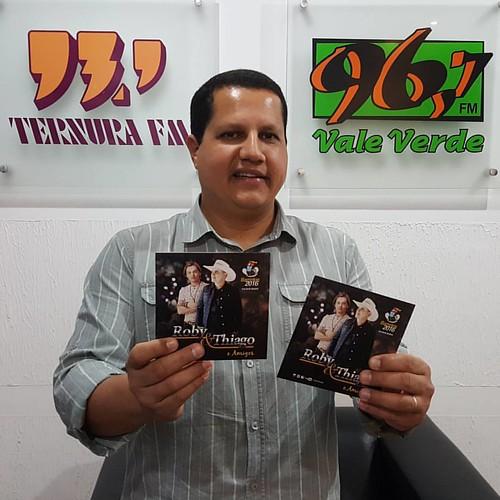 Parceria firmada com as radios: @fmValeVerde 96,7 de C6esario Lange e #TernuraFM 93,9 de Tatui SP com a dupla @robyethiago #TaMoiado #RobyeThiago @tonamidia www.tonamidia.com.br @cantorthiago_ret @valentinacaran @bodinhobarretos @cantorroby_ret @bodinhoba