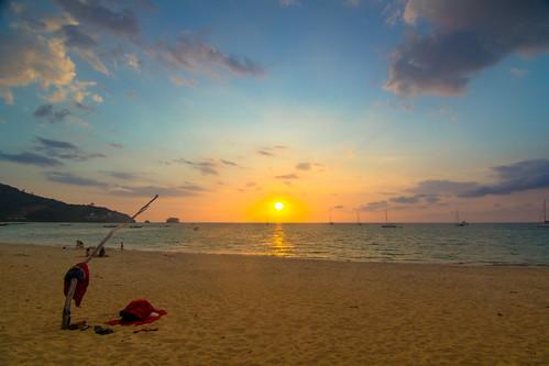 ocean blue sunset sea sky orange sun beach clouds landscape thailand island golden branch view sundown sands phuket 风景 日落 海滩 天空 andaman 落日 景色 海洋 泰国 普吉岛 布吉 naiyang 大海 蓝色 沙滩 金色 橙色 树枝 岛屿 流云 奈扬