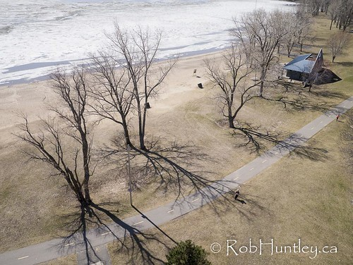 park canada ice beach marina docks photography frozen photo spring melting photographie quebec aerialview aerial photograph icefloes gatineau yachts kap aerialphotography aylmer ottawariver kiteaerialphotography springthaw aérienne sailingclub aerialphotograph aeriallandscape cedarpark aerienne aylmermarina kiteaerialphotograph photographieaérienne photographieaerienne robhuntley parcdescèdres clubdevoile clubdevoilegranderivière lacdeschenes marinadaylmer parcdescedres