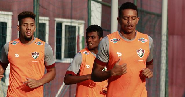 Trabalho físico e treino coletivo marcam reapresentação do Fluminense