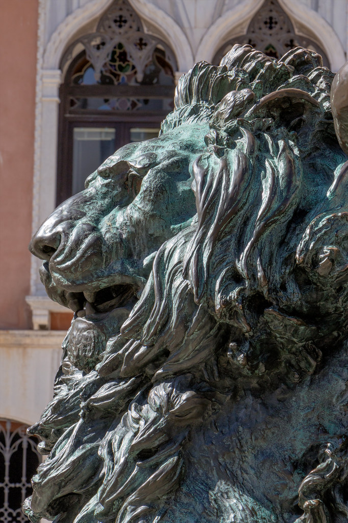 The Winged Lion beneath the statue to Daniele Manin at Campo Manin