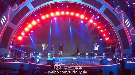 Taeyang-YoungChoiceAwards-Beijing-20141210-Rehearsals_1