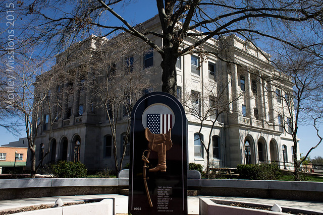 courthouse and memorial