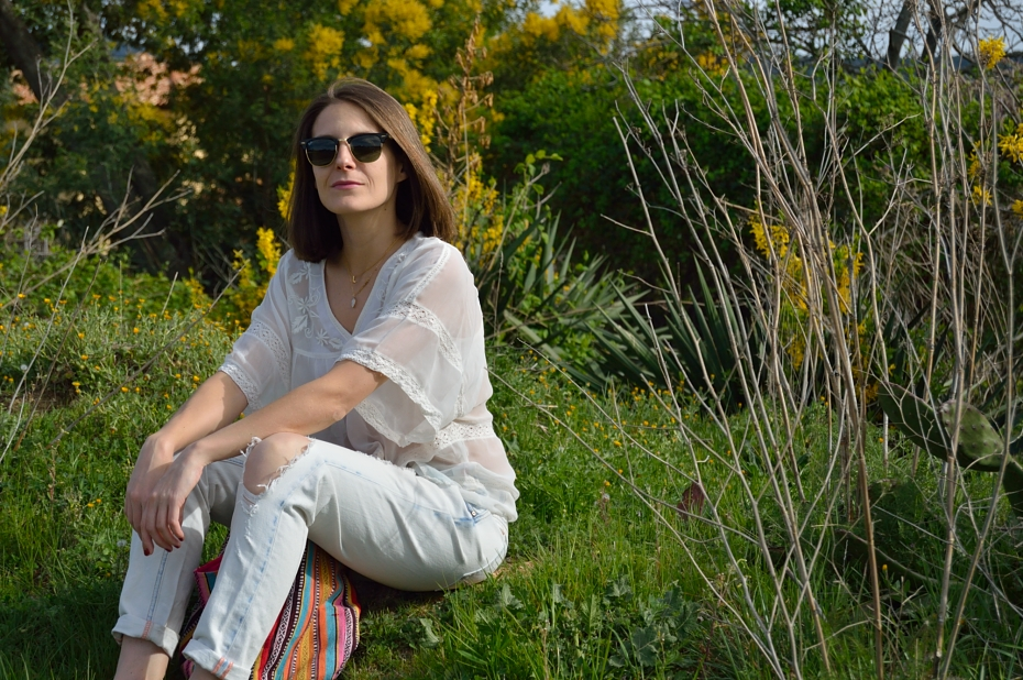 lara-vazquez-mad-lula-blog-style-accesorios-white-look-bolsos