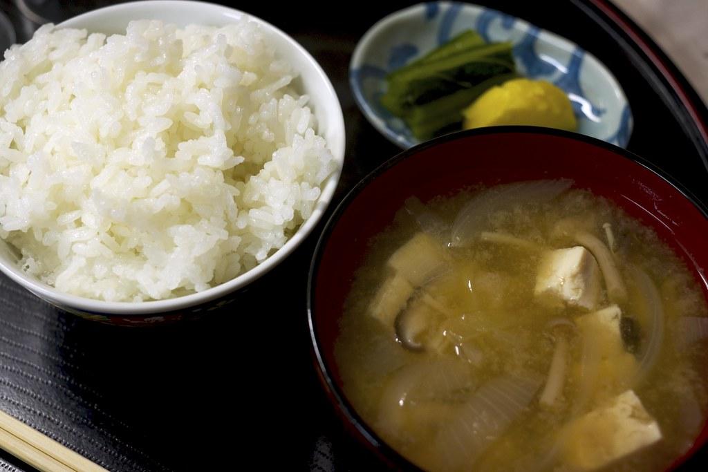 Rice and miso soup / ご飯とお味噌汁 / 乗瀬高原荘 (長野県小諸市)