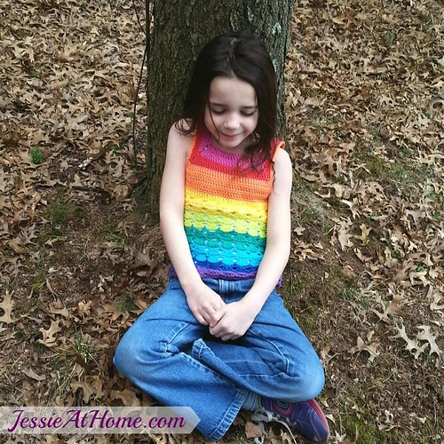 After-the-Rain-Tank-Top-Free-Crochet-Pattern-with-tree