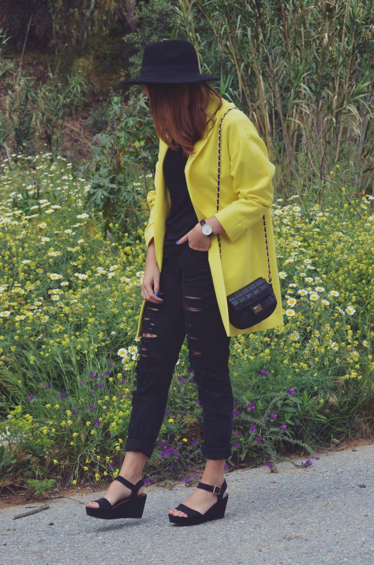 http://www.miquintaavenida.com/2015/04/yellow.html