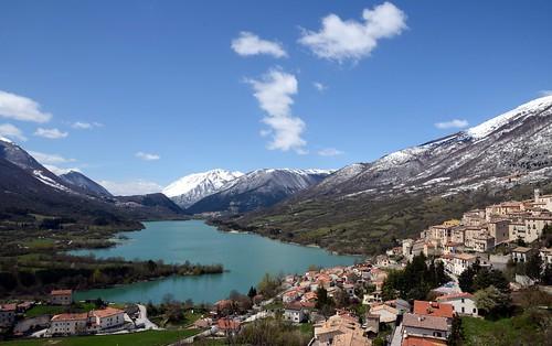 italy panorama lake clouds lago scenery italia nuvole village view vista scape borgo abruzzo paese barrea parconazionaledabruzzolazioemolise d7000 nationalparkofabruzzolazioandmolise afs1685mmgvr