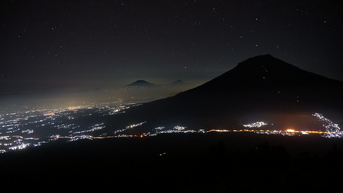travel light mountain night hiking sony gunung backpacker merapi traveler merbabu pendaki sindoro sumbing pendakian nex5t