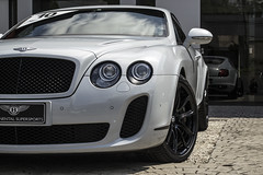 bentley continental flying spur(0.0), convertible(0.0), automobile(1.0), automotive exterior(1.0), bentley continental supersports(1.0), wheel(1.0), vehicle(1.0), performance car(1.0), automotive design(1.0), bentley continental gtc(1.0), rim(1.0), bentley continental gt(1.0), bumper(1.0), personal luxury car(1.0), land vehicle(1.0), luxury vehicle(1.0), bentley(1.0), coupã©(1.0),