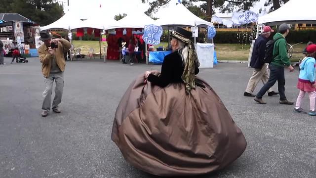 Rolling skirt