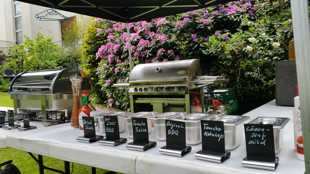"HummerCatering #Düsseldorf #BBQ #Grill #Eventcatering #Event #Catering http://goo.gl/Dpl32W • <a style=""font-size:0.8em;"" href=""http://www.flickr.com/photos/69233503@N08/18272105672/"" target=""_blank"">View on Flickr</a>"