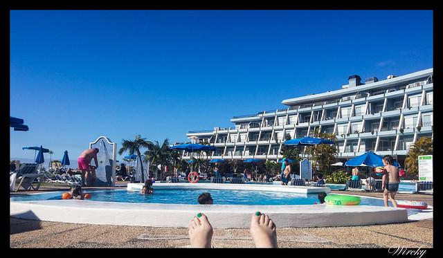 Tenerife Icod Vinos Garachico Punta Teno - En la piscina del hotel de Tenerife