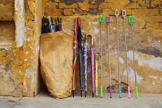 Attēls no Lahore Fort. lahore pakistan selfiesticks travel umbrellas