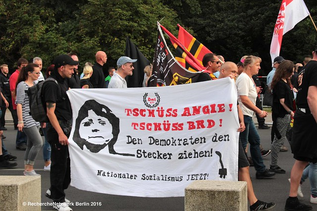 """30.07.2016 Berlin: Extrem rechte Großdemonstration """"Merkel muss weg"""" III"""