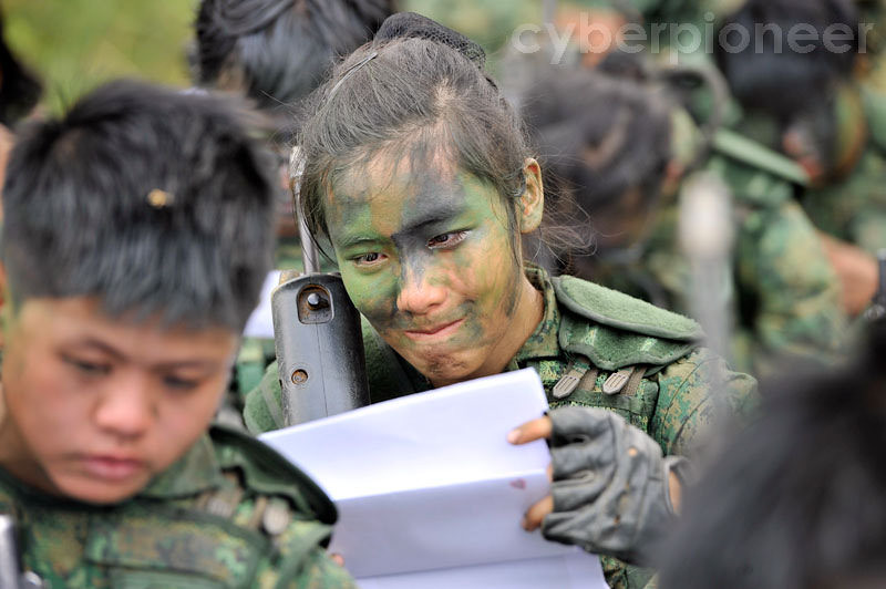 Singapore Army Introduces LT Joelle Cheong To Combat Navys ME - Army hairstyle singapore