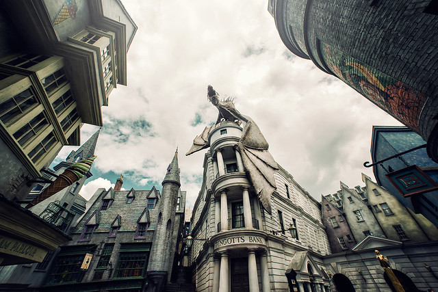 Diagon Alley / Gringotts Bank