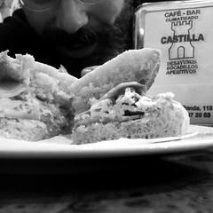 5 de Abril de 2015 - Desayunando mollete especial del Castilla