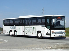 airport bus(0.0), flxible new look bus(0.0), vehicle(1.0), transport(1.0), mode of transport(1.0), public transport(1.0), tour bus service(1.0), land vehicle(1.0), luxury vehicle(1.0), bus(1.0),