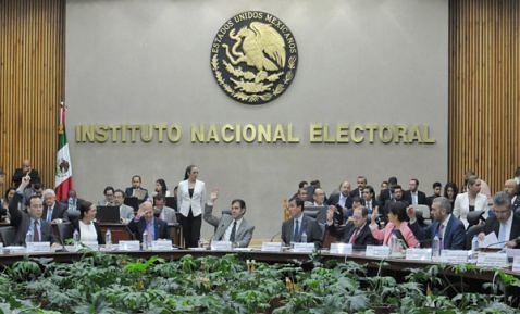 Castigará el INE a 400 precandidatos de ocho estados