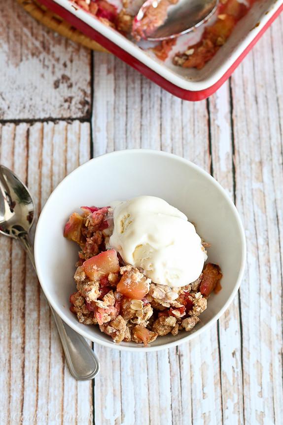Rhubarb & Apple Crisp Recipe {Low Sugar}...A fantastic spring-time recipe! 181 calories and 5 Weight Watchers PP | cookincanuck.com