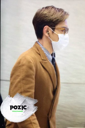 TOP Arrival Seoul 2015-11-06 pozic (4)