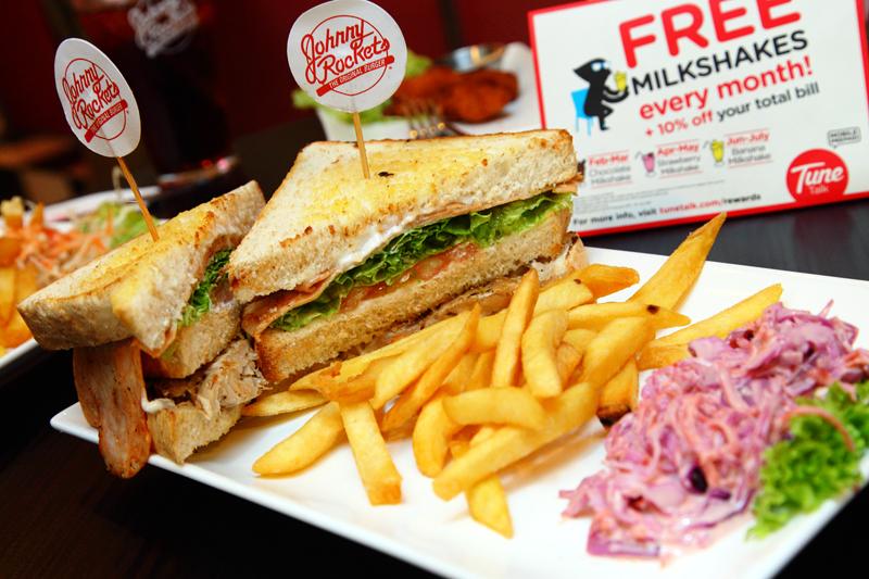 Johnny Rockets Club-Sandwich