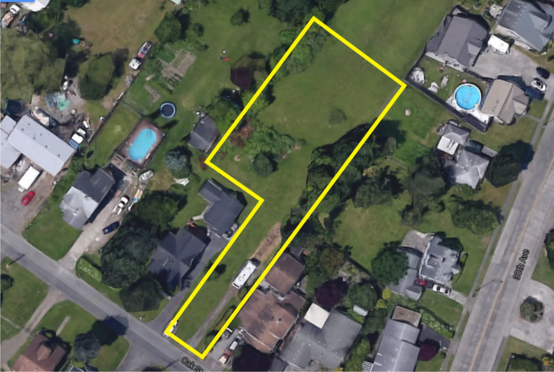 Plot overlay 3022 Oak St.